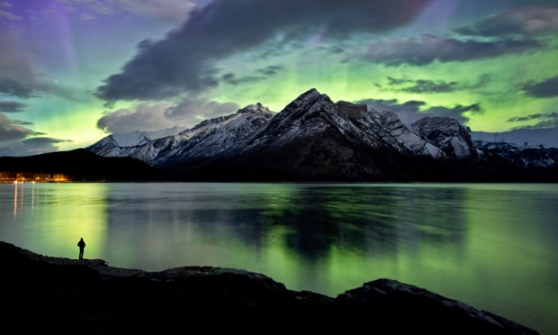 northern lights at Lake Minnewanka