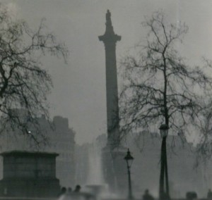 Nelsons-Column-Great-Smog-London-1952